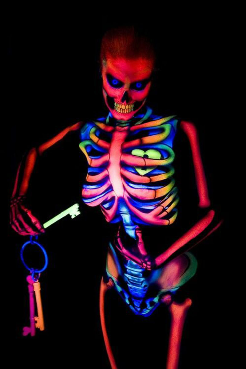 Fluoriscent Sceleton 800x
