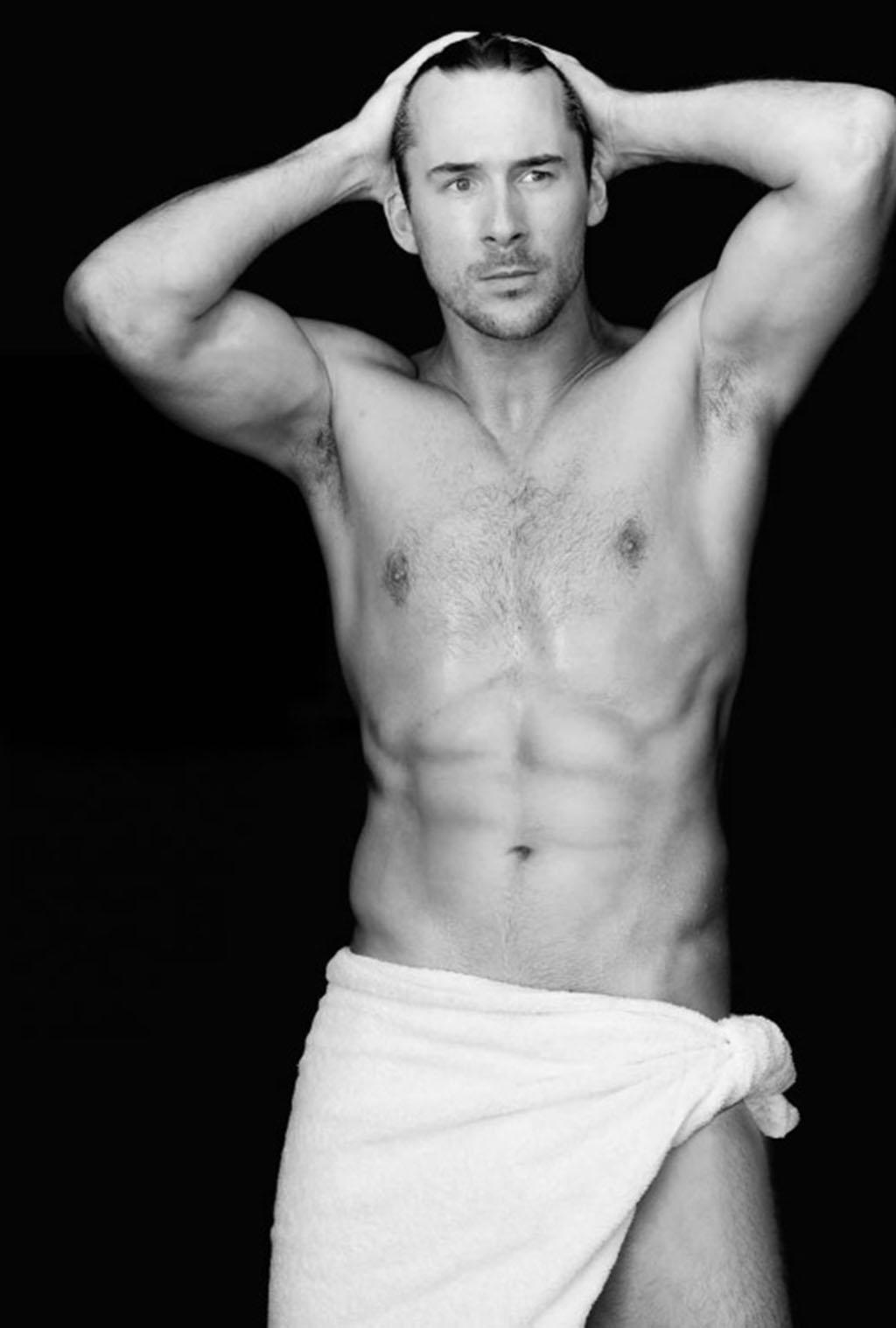 Barry Sloane naked 1024