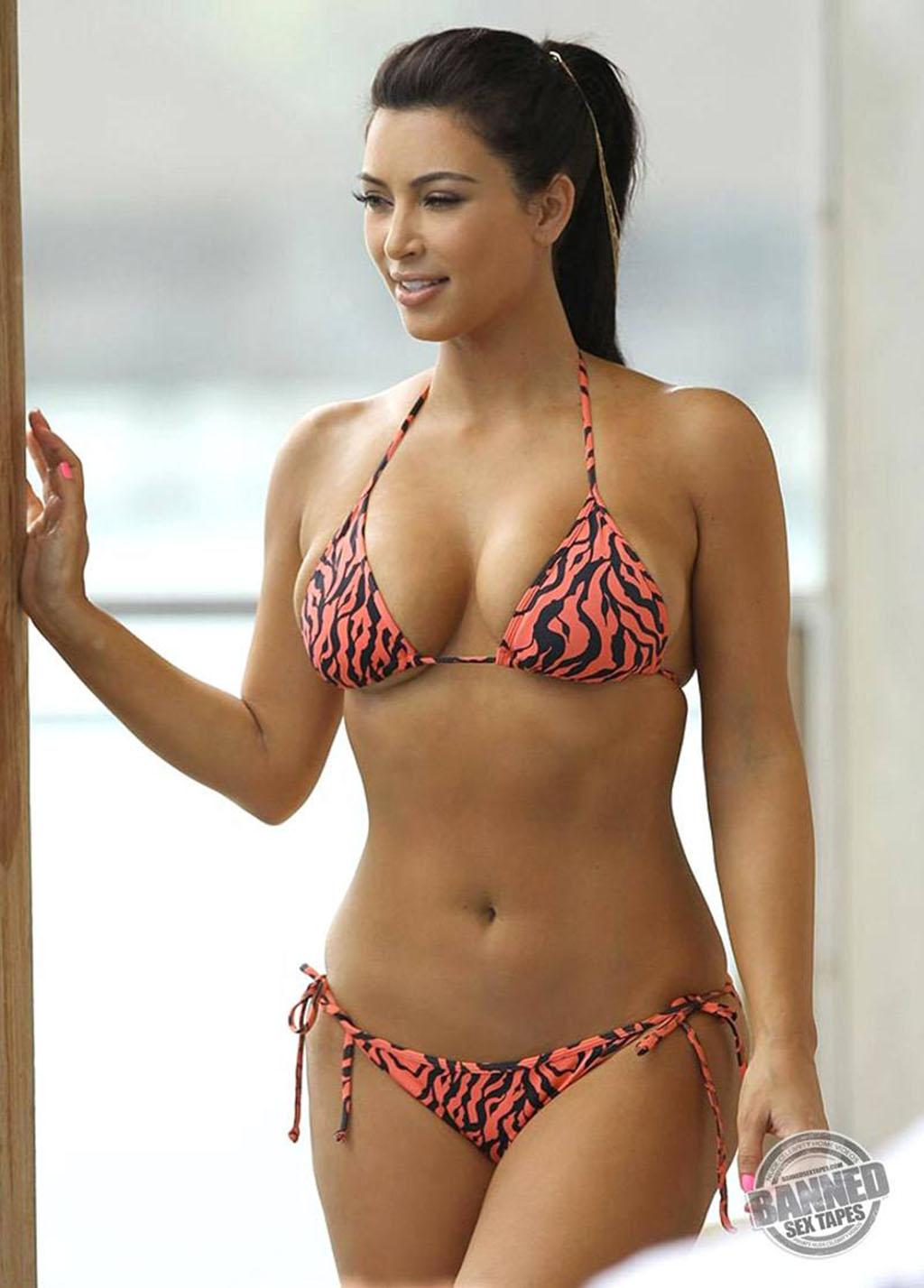 Kim-Kardashian-underware 1024x