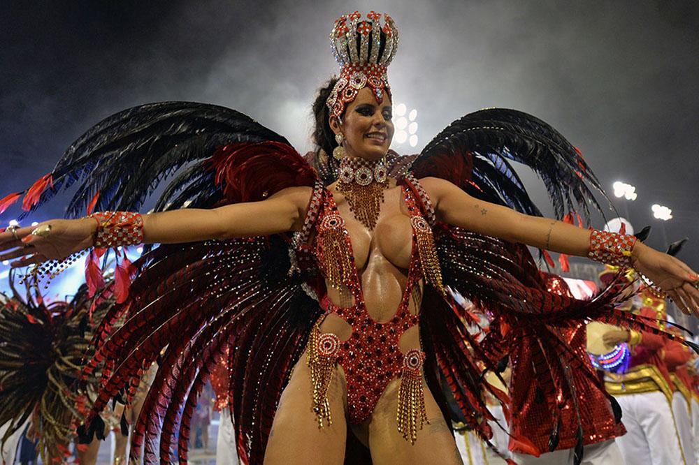 Brazil-carnival-parade-Sambadrome 1000x666