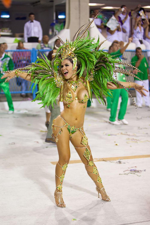 Queen in green 1000x