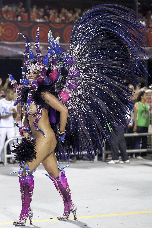 Фото голых на карнавале в рио 14 фотография