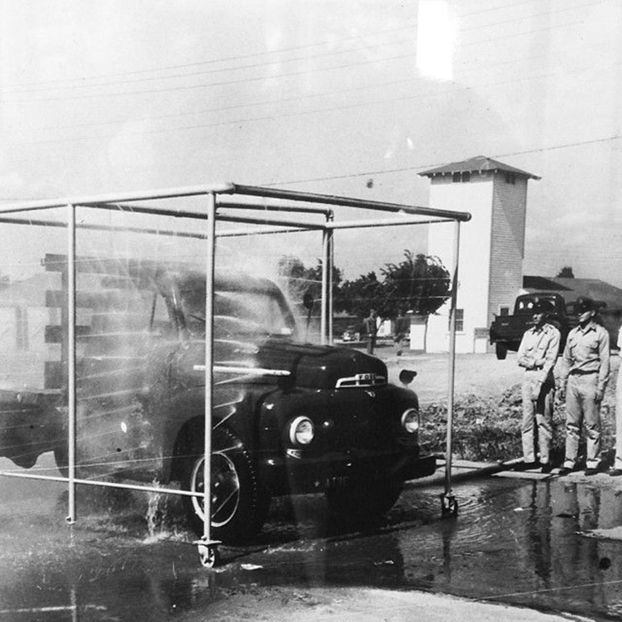 Car Wash in Armadillo 1940 900x