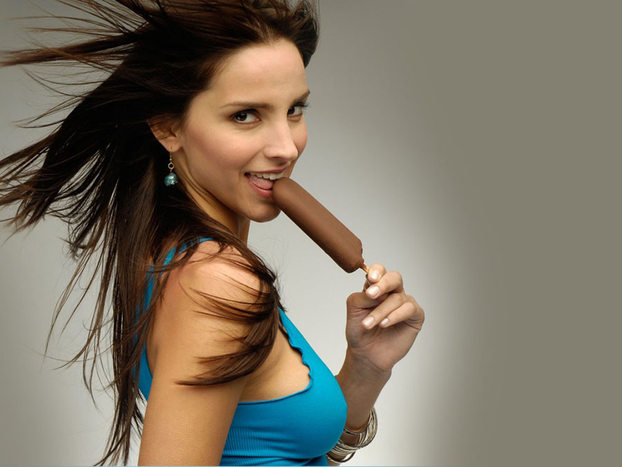 cute-brunette-ice-cream-900x